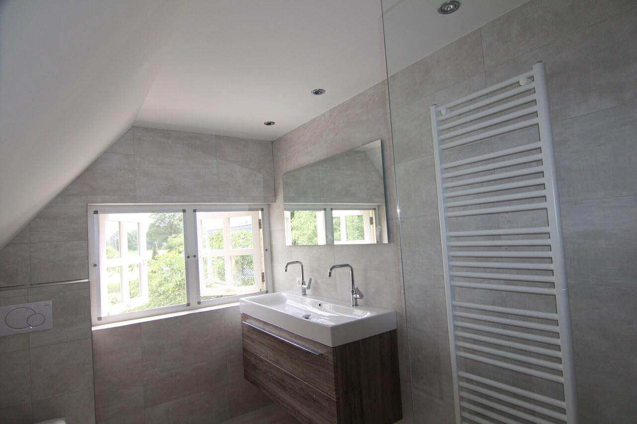 Nieuw badkamer plafond Arnhem | Plameco Engelen