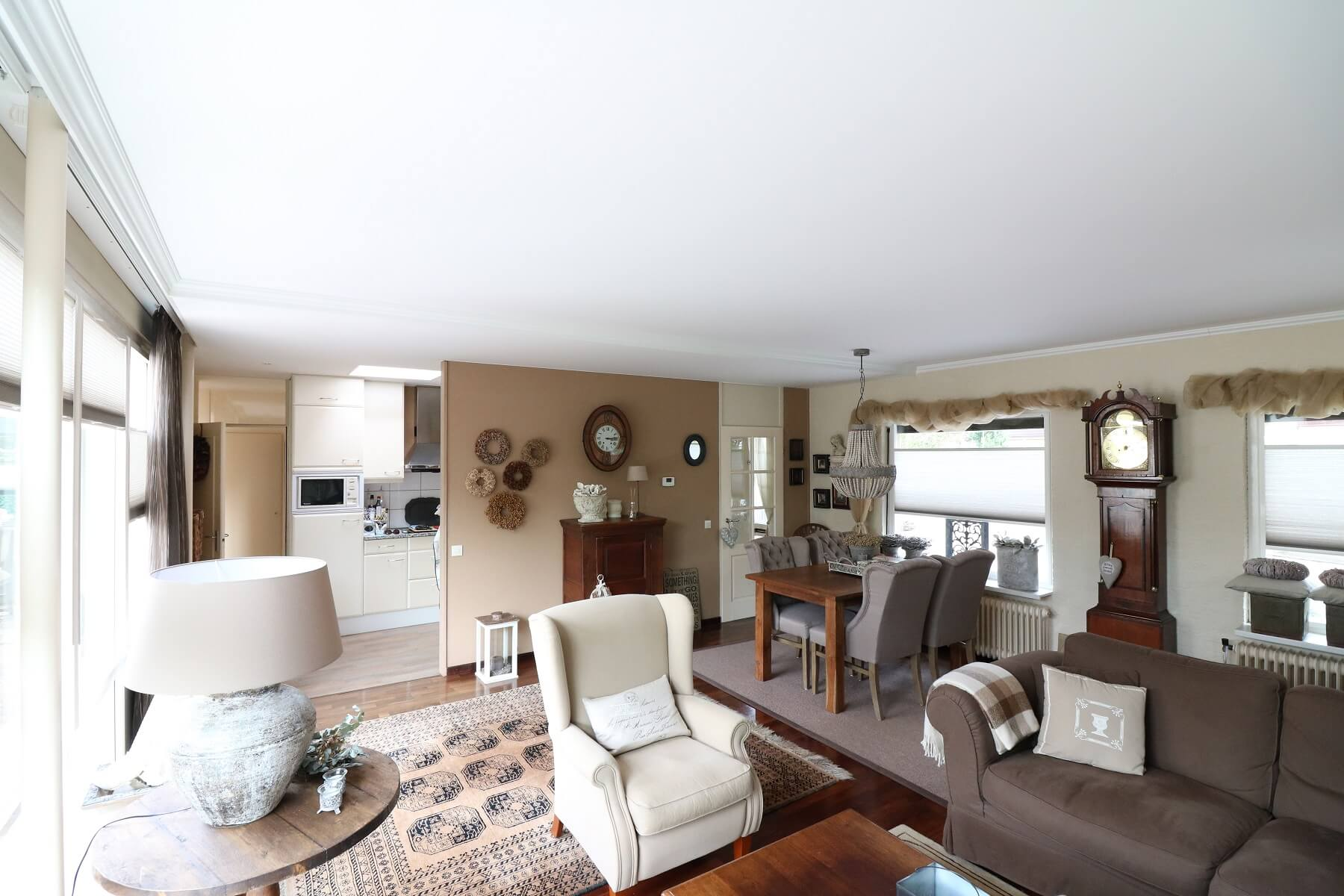 Nieuw woonkamer plafond in Barneveld